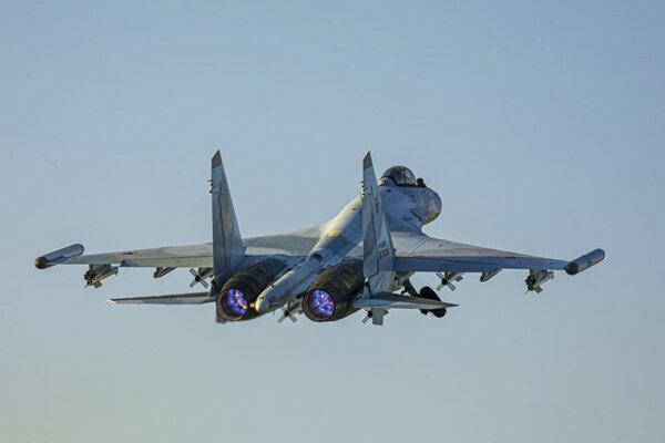 Stíhačka Suchoj Su-35.