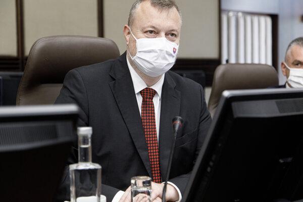 Minister práce, sociálnych vecí a rodiny Milan Krajniak na rokovaní vlády.