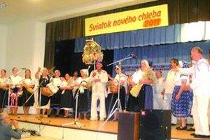 Program osláv Sviatku nového chleba sa konal v KD v Dražovciach.