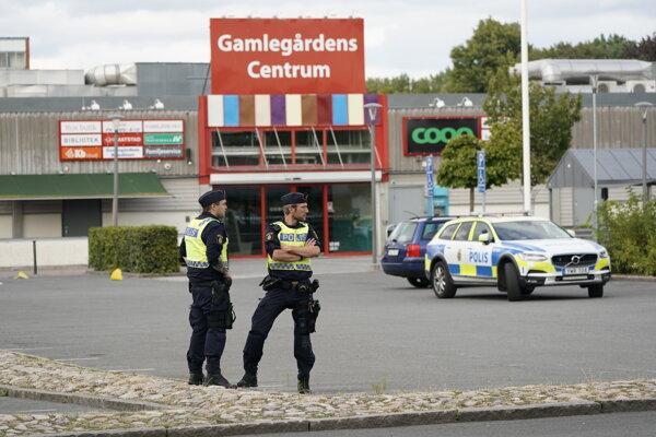 Švédska polícia na mieste činu.