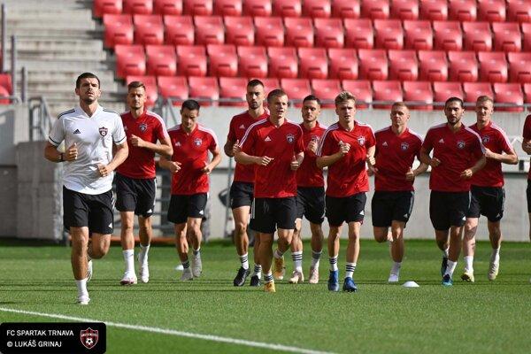 Spatakovci na tréningu pred zajtrajším zápasom 3. predkola Európskej konferenčnej ligy