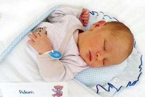 Adam Karvai z Handlovej sa narodil 17. 7. 2021 v Bojniciach