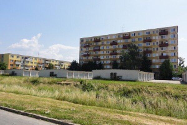 Približne štyrom tisíckám domácností v Zlatých Moravciach prišli v júni vyššie zálohové platby za teplo. Rodina v priemernom trojizbovom byte zaplatí mesačne o vyše dvadsať eur viac.