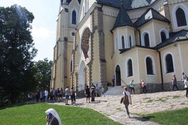 Kultúrny prameň navštívil Mariánsku horu sBazilikou Navštívenia Panny Márie, kde naši kňazi slúžili omšu.