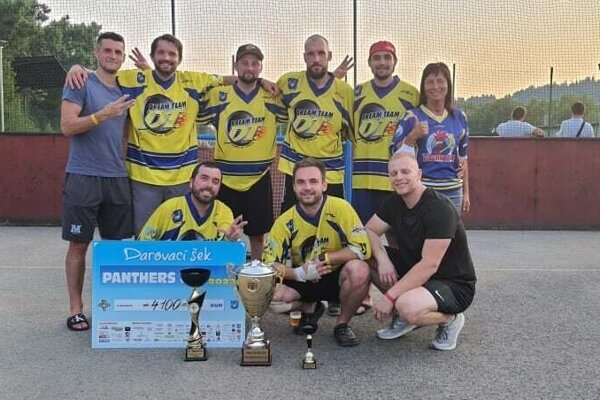 Dream Team - víťaz hokejbalového turnaja.