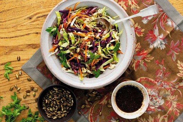 Pestrý zeleninový šalát