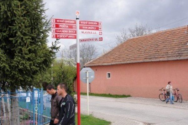 Info tabule vo Vinodole a hlavne spôsob, akým ich dedina získala, vzbudili rozruch.