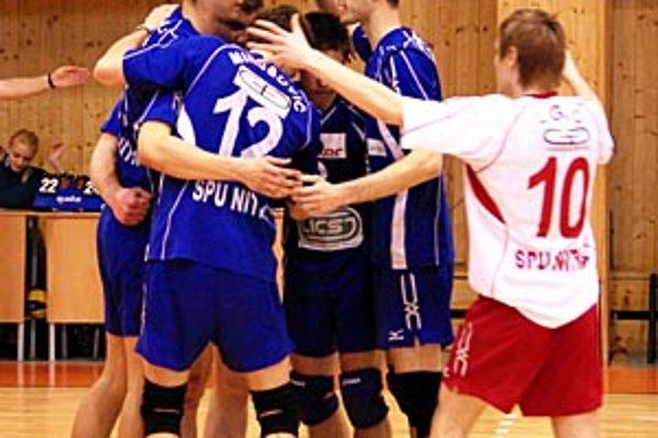 V poslednom zápase sezóny Nitrania porazili Trenčín 3:0.