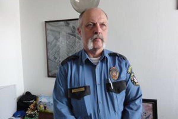 Ján Komjáthy z mestskej polície.