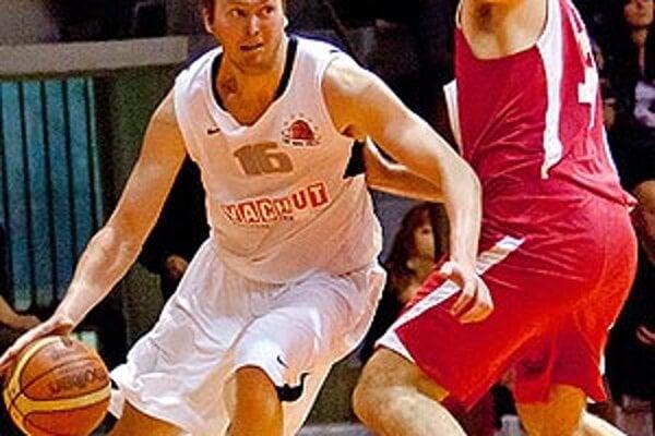 Raitis Grafs sa snaží presadiť cez Davora Velčiča.