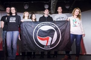 Organizátori antifašistického festivalu Povstanie pokračuje.