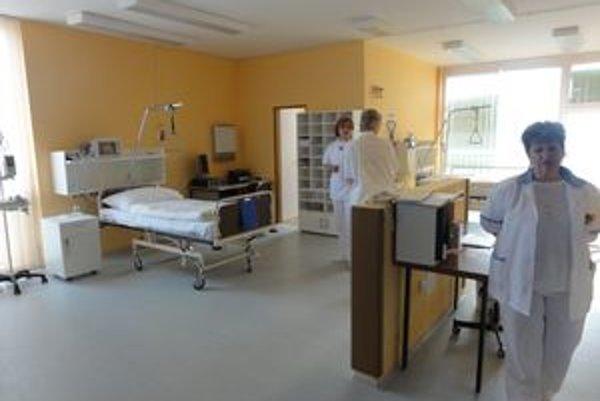 Neurologické oddelenie bude mať 60 lôžok.