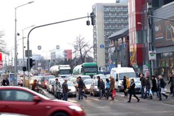 Dopravná situácia v Nitre nie je dobrá.