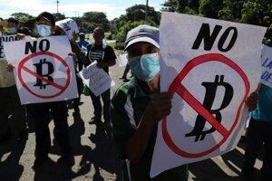 Salvádorčania protestovali v uliciach proti zavedeniu bitcoinu.