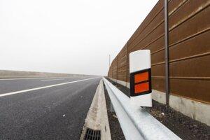 Protihluková stena a stavba rýchlostnej cesty R7.