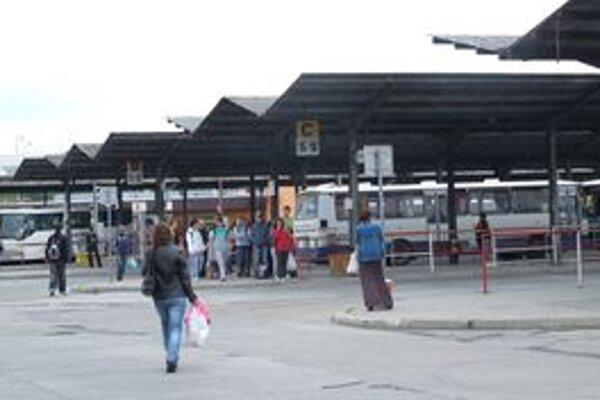 Cestovné na diaľkových linkách zvýšila Veolia o približne desať percent.