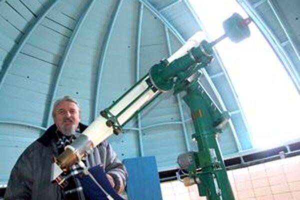 Peter Poliak v kupole hvezdárne.