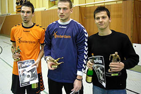 Traja ocenení jednotlivci - zľava D. Vangel, J. Pichňa a T. Feješ.
