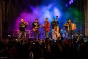 Hviezdou večera boli na Šurany Feste Kollárovci.