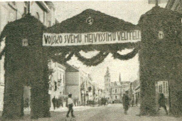 Slávobrána na Alžbetinej ulici pripravená pre prezidenta Masaryka.