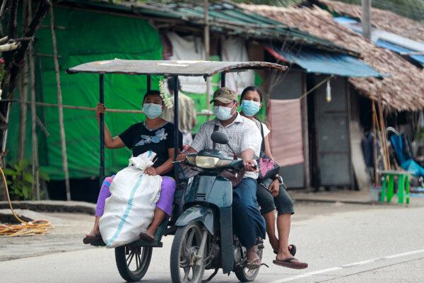 Domovy muselo opustiť 230-tisíc Mjanmarčanov.