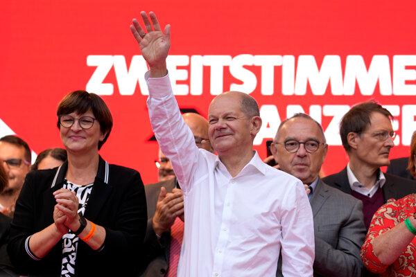 V posledných prieskumoch pred nemeckými parlamentnými voľbami 2021 sa na prvé miesto dostala Sociálnodemokratická strana (SPD) Olafa Scholza.