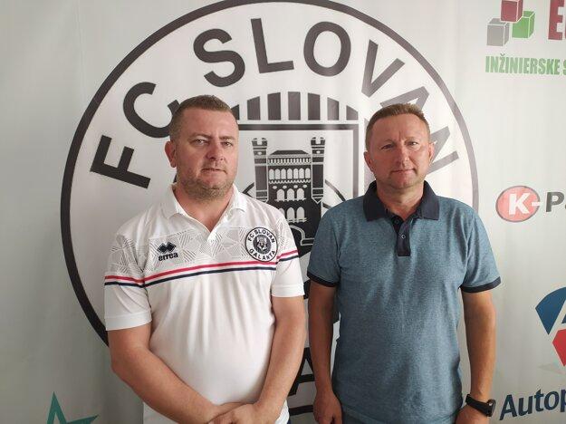 Funkcionári Slovanu Galanta Andrej Kostka (vľavo) a Róbert Hupka.
