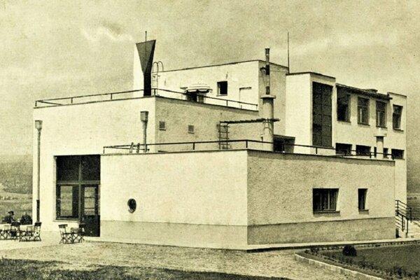 Ozdravovňa na Borovej hore je dielom zvolenského architekta Gustáva Stadtruckera.