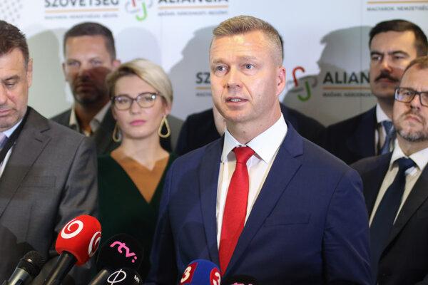 Predseda strany Szövetség - Aliancia Krisztián Forró.