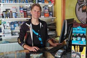 Paralympijsky víťaz Patrik Kuril popri športovej kariére aj pracuje.