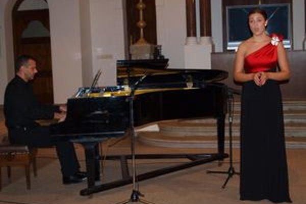 Na otváracom koncerte zaspievala aj Renatka Feriková.