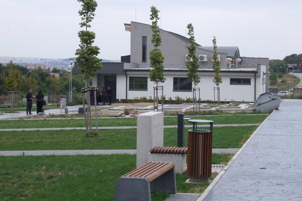 Nový cintorín je otvorený.