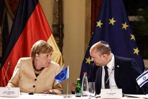 Rokovanie nemeckej kancelárky Angely Merkelovej s izraelským premiérom Naftalim Bennettom.
