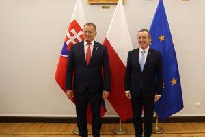 Predseda parlamentu SR Boris Kollár (vľavo) s maršálkom Senátu Tomaszom Grodzkim.