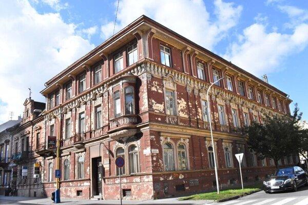 Sídlo bývalej poisťovne bolo postavené v poslednej štvrtine 19. storočia.