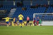 Futbalisti Michaloviec uhrali na trávniku Senice iba remízu.