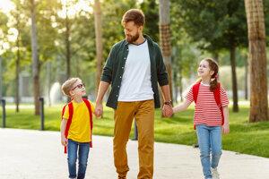 Ako podnietiť dieťa, aby vám porozprávalo o svojom dni v škole alebo v škôlke?