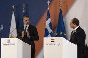 Grécky premiér Kyriakos Mitsotakis (vľavo) počas rokovania s egyptským prezidentom Abdom al-Fattáhom as-Sísím.
