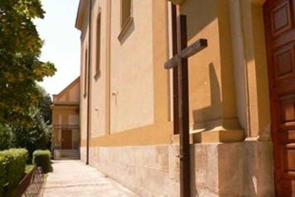 Bočná prístavba vznikne  aj na pravej strane kostola.