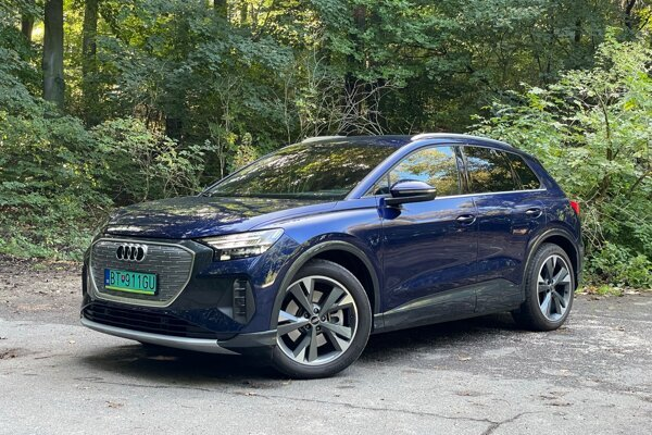 Audi Q4 e-tron prekonáva svojich súrodencov komfortom (test)