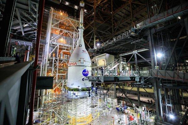 Termín sa posúva, NASA plánuje vyslať na Mesiac loď bez posádky vo februári