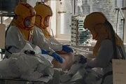 Počet pacientov na umelej pľúcnej ventilácii každý deň stúpa.