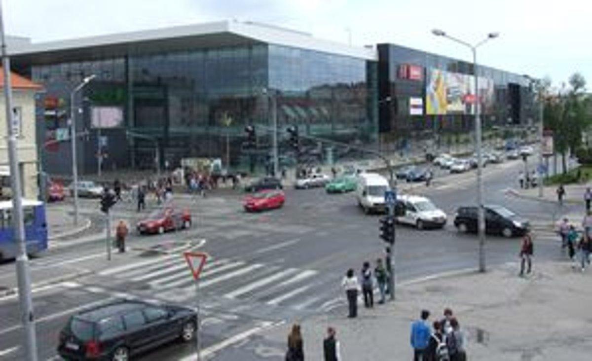 39cf6312a Fámy o klesaní nákupného centra môže šíriť aj konkurencia - SME   MY ...