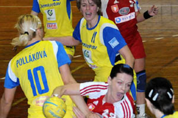 Šalianky začali sériu víťazne, v červenom Tóthová a Trochtová.