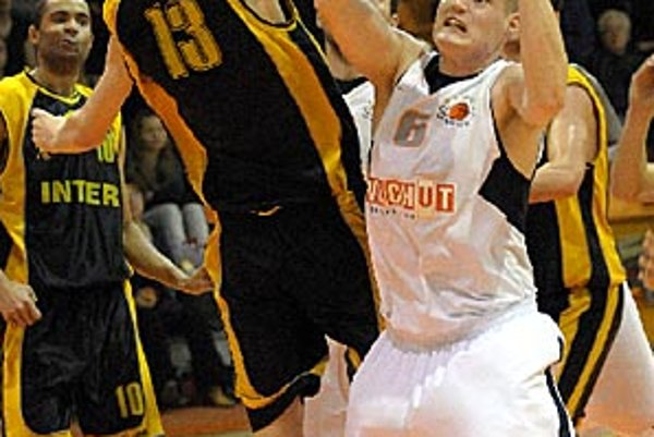 Branislav Tomek bol s 34 bodmi najlepším strelcom Nitry.