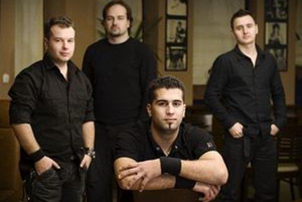 Michal Chrenko Band - zľava Pavel Rak, Róbert Trunkvalter, Michal Chrenko a Ľuboš Brtan. Toho už v kapele nahradil Tomáš Veselický.