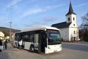 Obyvatelia Štitár a Nitrianskych Hrnčiaroviec sa boja toho, čo nastane od januára, keď bude namiesto mestskej dopravy fungovať prímestská.