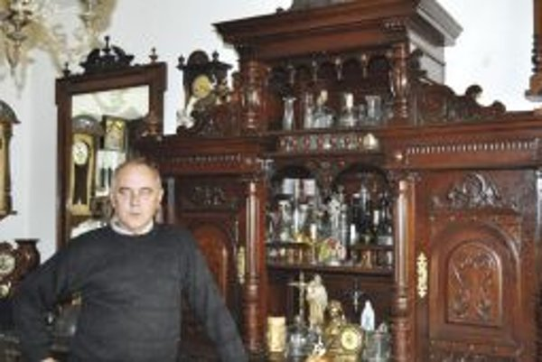 Zberateľskú vášeň u neho naštartoval dar k päťdesiatke.
