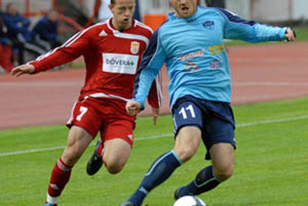 Nitrania ukončili svoju pohárovú päť v Banskej Bystrici, v modrom Michal Áč.