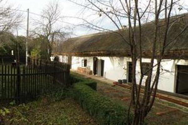 Domček ľudového bývania zo začiatku 19. storočia v Šali bude zrejme atrakciou aj pre turistov.